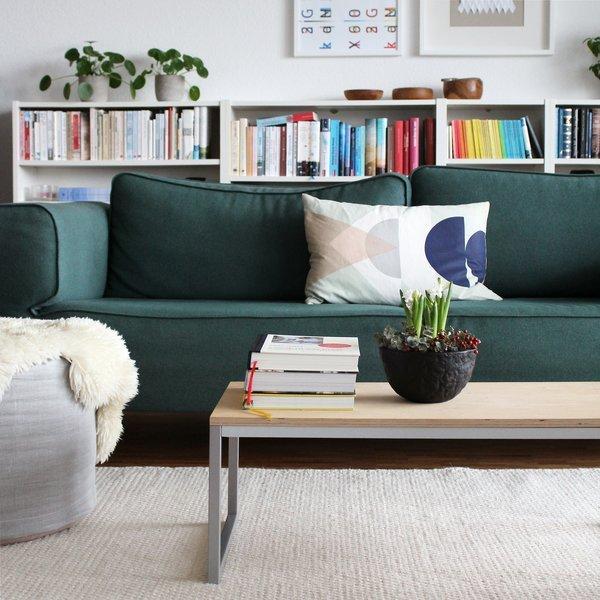 Fur Mehr Farbe In Der Wohnung Blaue Grune Und Gelbe Sofas