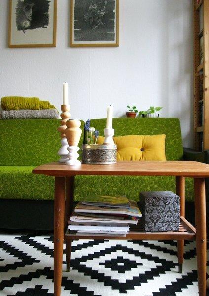 Für mehr Farbe in der Wohnung: Blaue, grüne und gelbe Sofas ...