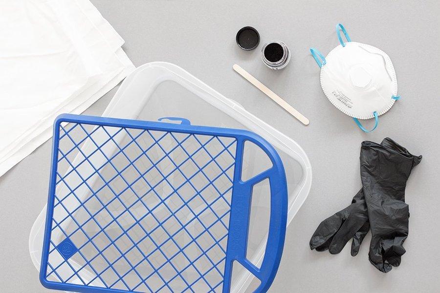 mit eisw rfeln textilien f rben eine diy anleitung in 3 schritten von bildsch nes. Black Bedroom Furniture Sets. Home Design Ideas