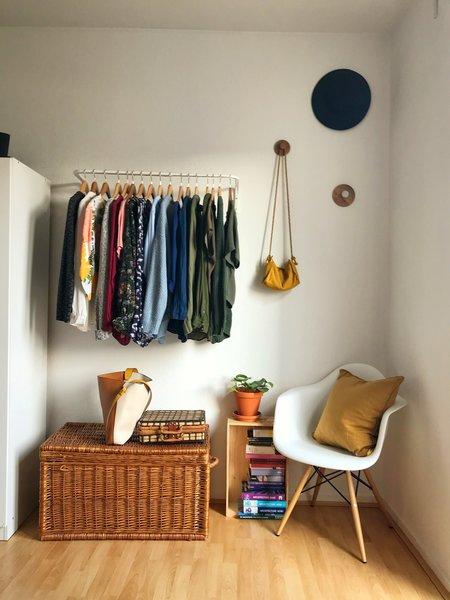 Kleider Aufhängen Ohne Schrank - The Reading Chair