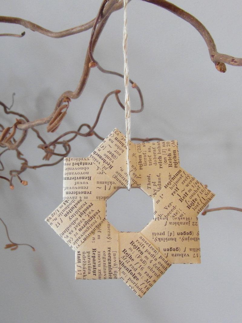 wunderbar Weihnachtsdeko Selber Machen Aus Papier Part - 12: Hier gehtu0027s zur Anleitung. Es gibt auch verschiedene Anleitungen für  einfache, gefaltete Papiersterne. Etwas kniffliger ist die Anleitung für  einen ...
