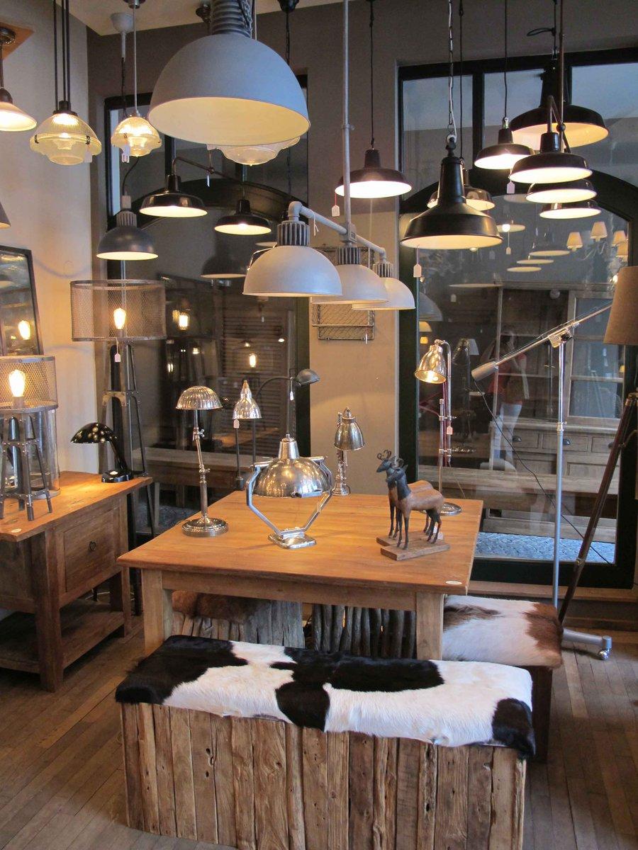 tolle l den in antwerpen. Black Bedroom Furniture Sets. Home Design Ideas