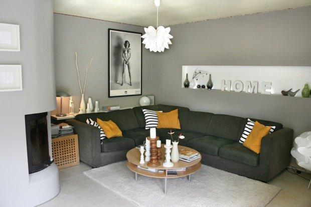 wohnzimmer einrichten graues sofa. Black Bedroom Furniture Sets. Home Design Ideas