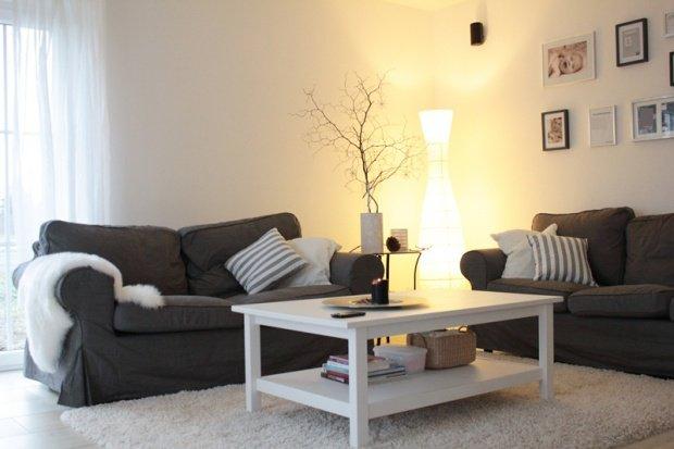 Design Wohnzimmer Couch Weiss Grau Trendfarbe Einrichtungsideen In Der Farbe