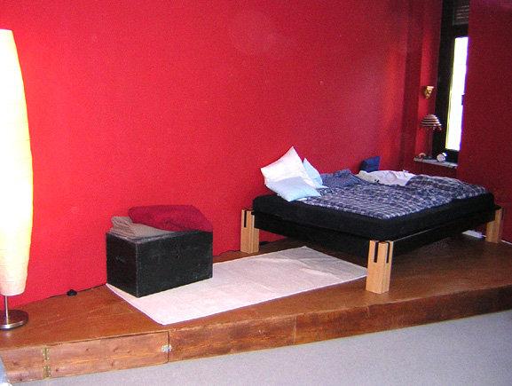 schreibtisch zu hoch was tun seite 2. Black Bedroom Furniture Sets. Home Design Ideas