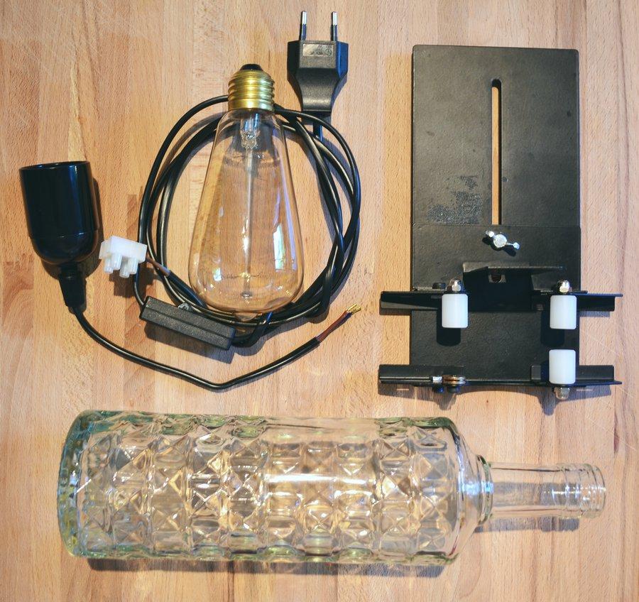 licht an bau dir eine stimmungsvolle leuchte aus einer alten glasflasche. Black Bedroom Furniture Sets. Home Design Ideas