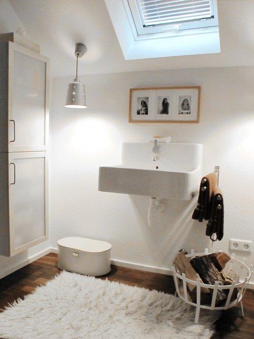 sch ner stauraum mehr platz im badezimmer. Black Bedroom Furniture Sets. Home Design Ideas