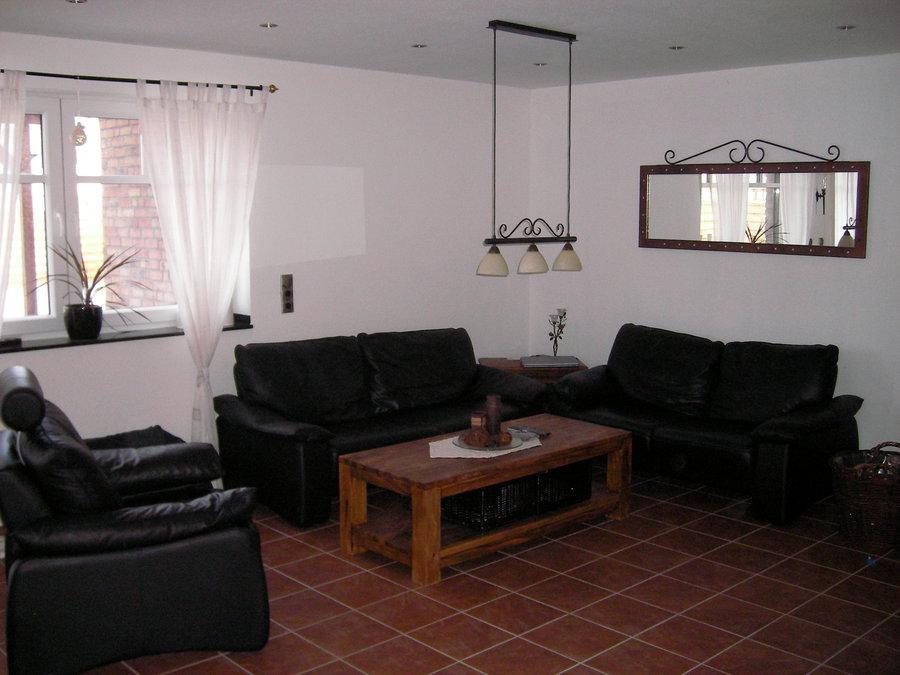 Wohnzimmergestaltung mit tapete for Mein wohnzimmer gestalten