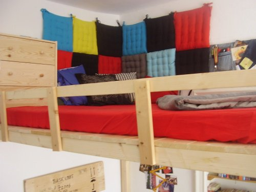 kinderzimmer gestalten mit kuscheligen textilien. Black Bedroom Furniture Sets. Home Design Ideas