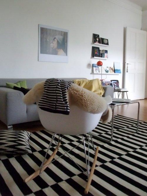 Wohnzimmer einrichten in Schwarz-Weiß  SoLebIch.de