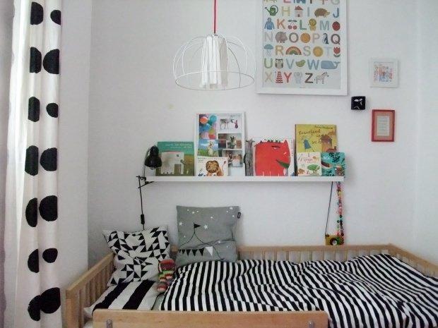 kuschelkissen im kinderzimmer und die kissenschlacht kann. Black Bedroom Furniture Sets. Home Design Ideas