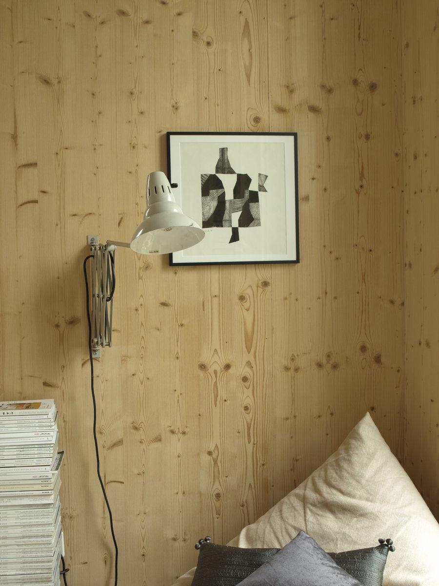 die fichtenholz verkleidung der w nde ist herausforderung und segen zugleich arte ber. Black Bedroom Furniture Sets. Home Design Ideas