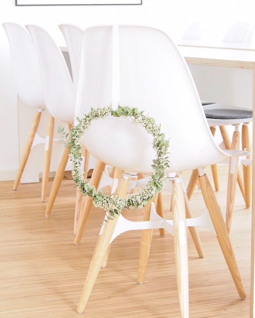 blumenkranz selber binden die besten anleitungen ideen. Black Bedroom Furniture Sets. Home Design Ideas