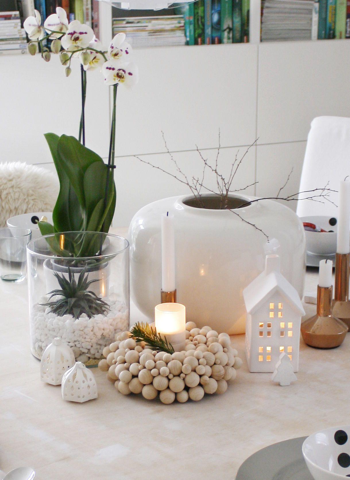 Tischdeko mit kleinen orchideen for Deko ideen gastezimmer