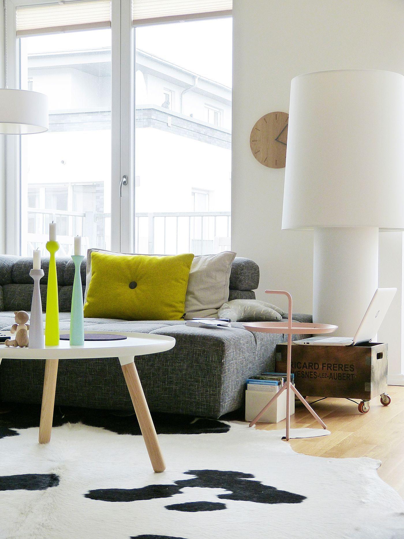 rinderfell teppich fabulous teppiche kuhfell rinderfell devore trkis beige ein von suggaloaf. Black Bedroom Furniture Sets. Home Design Ideas