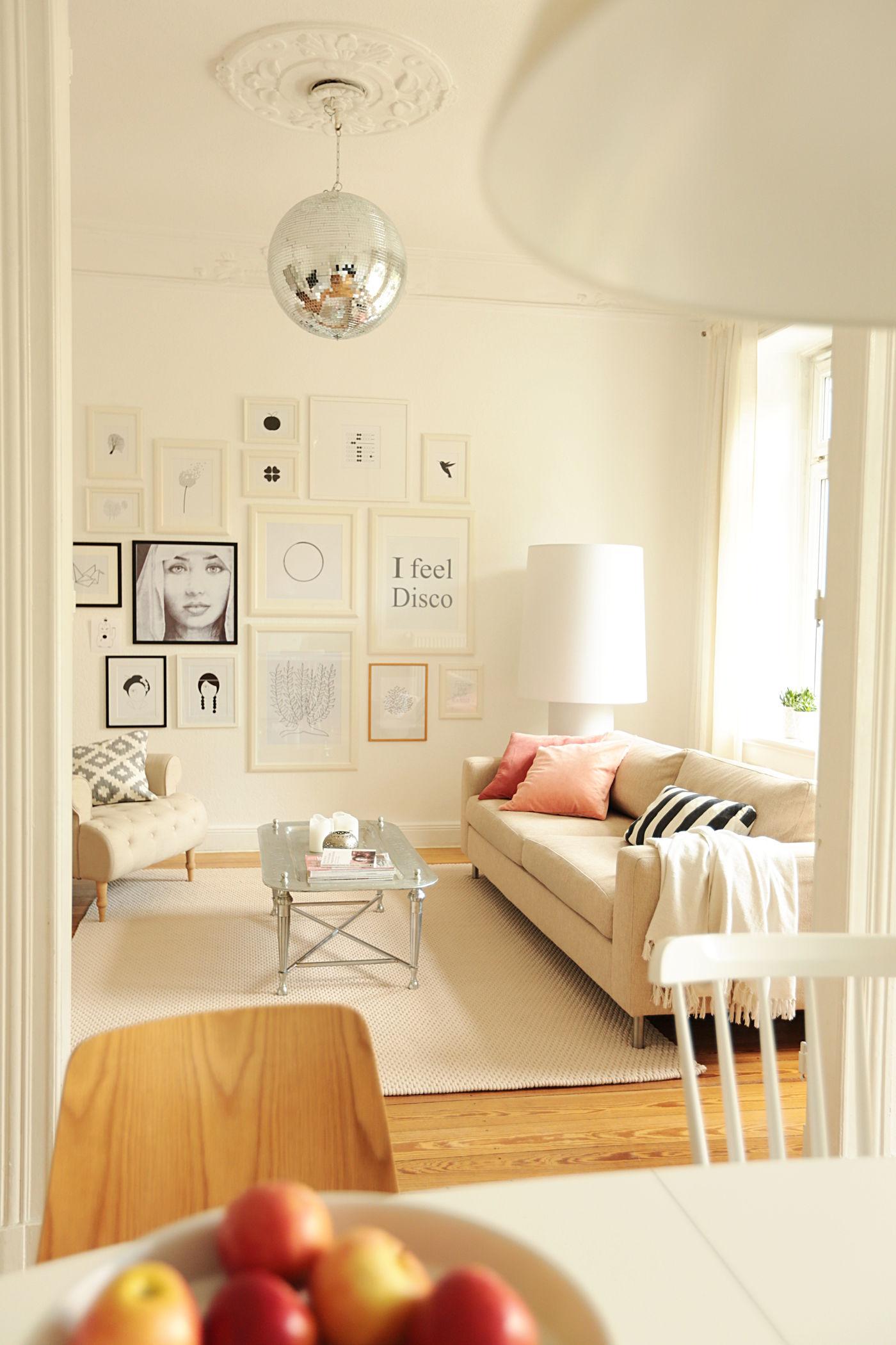 Moderne Wohnzimmer. Sommerdisco :)