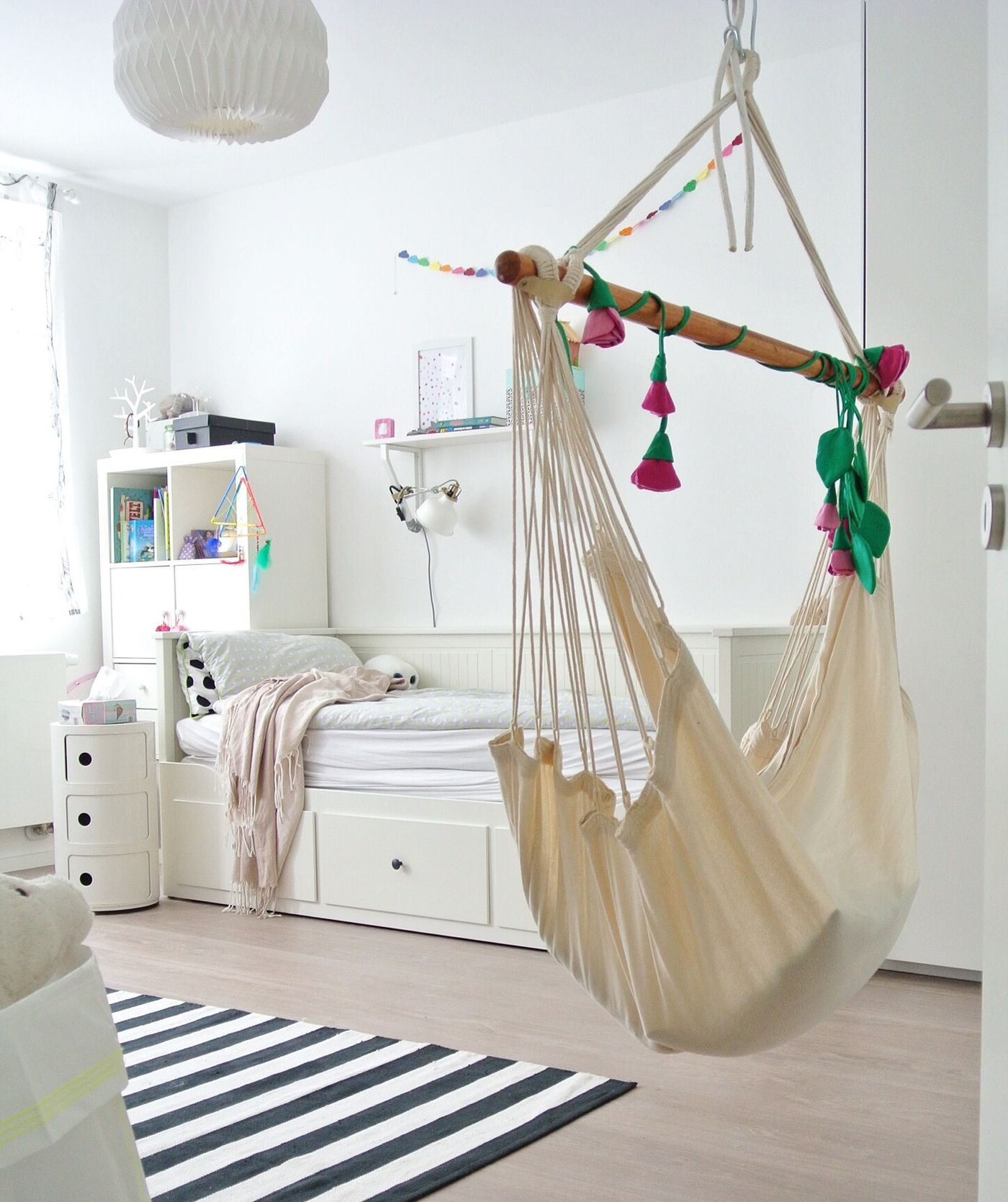 Skandinavische Kinderzimmer. Das Mädchenzimmer