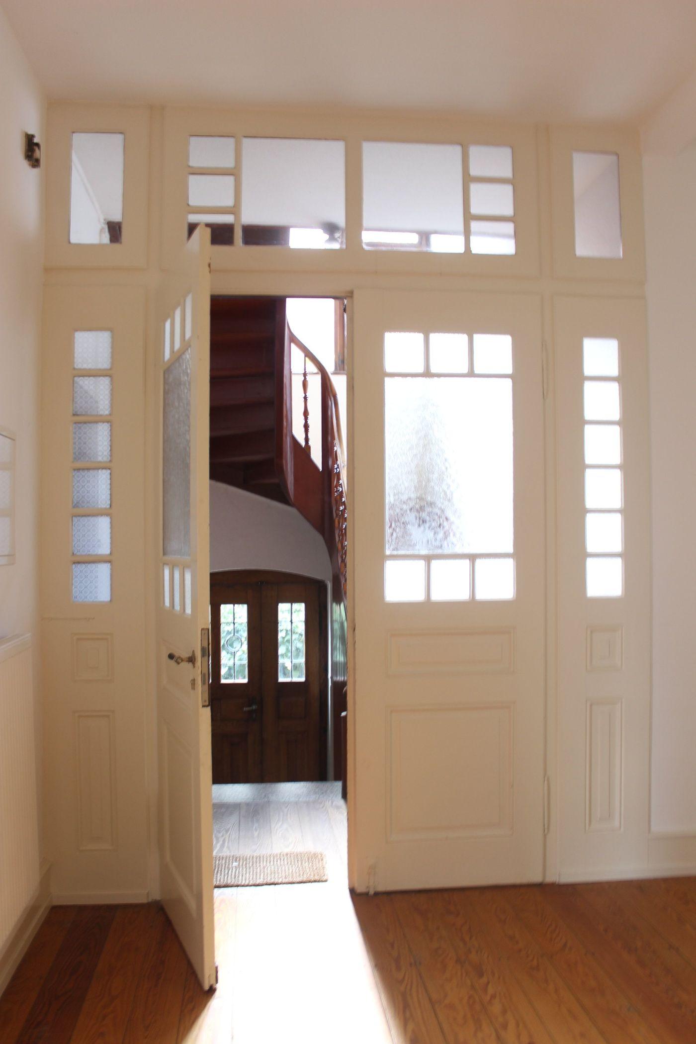 treppenhaus gestalten sch ne ideen und tipps. Black Bedroom Furniture Sets. Home Design Ideas