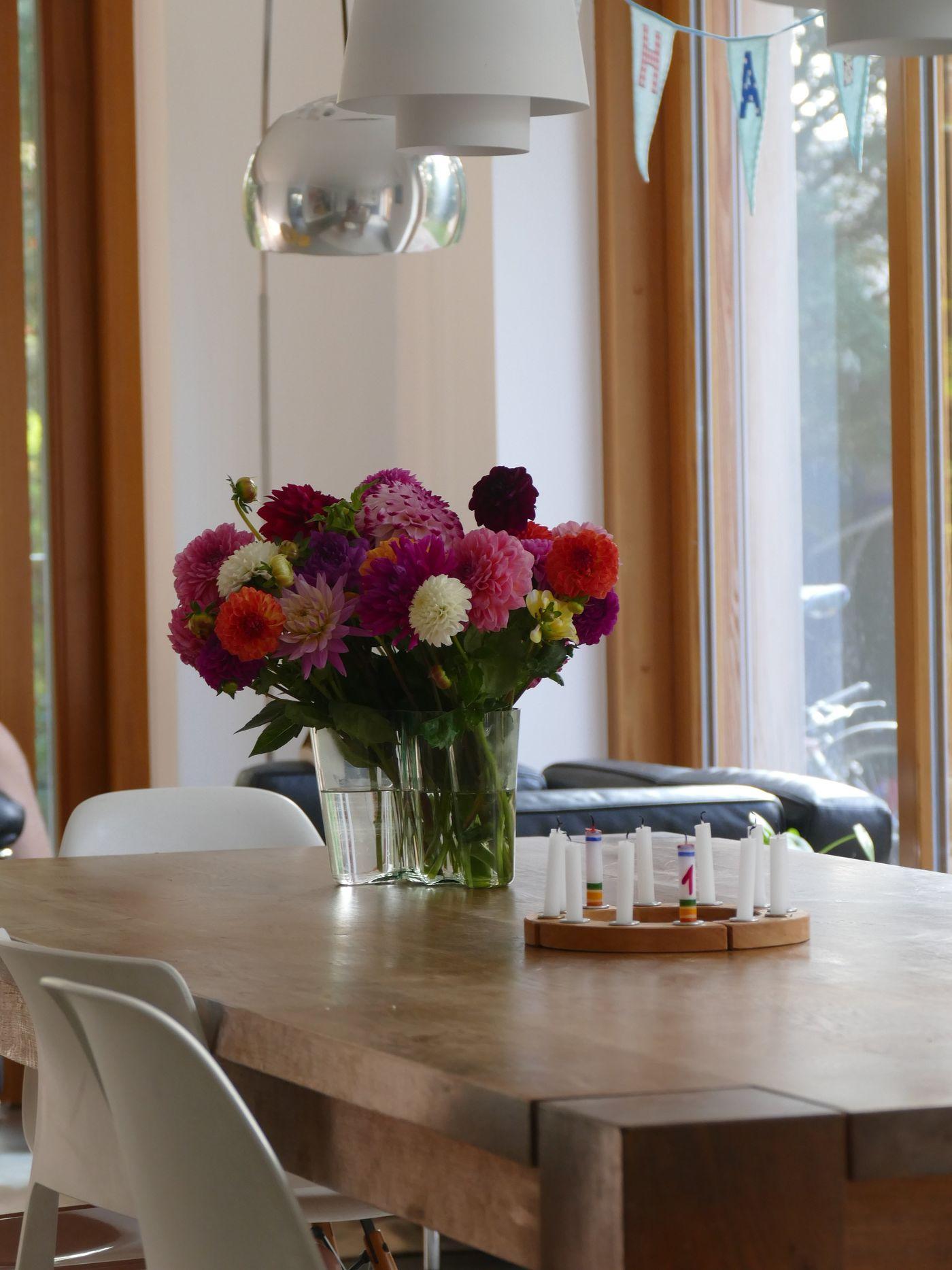 alvar aalto und die aalto vase. Black Bedroom Furniture Sets. Home Design Ideas