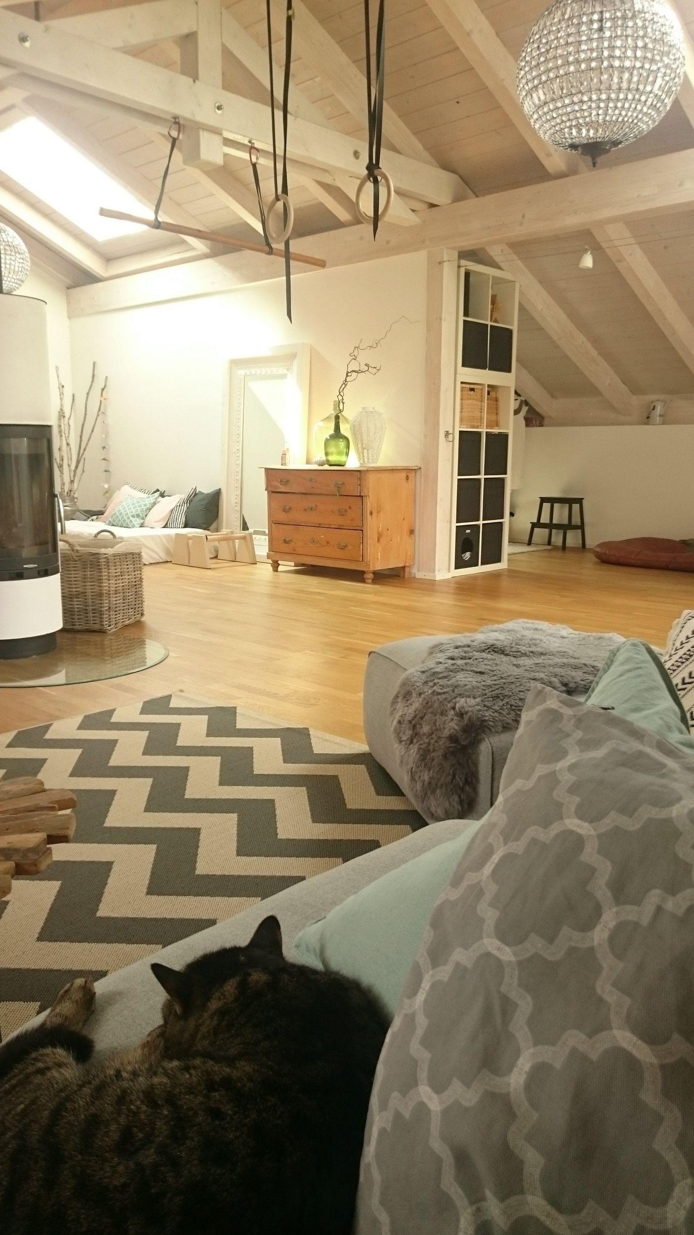Ikea Regal. Wohnzimmer Oder Mukkibude?