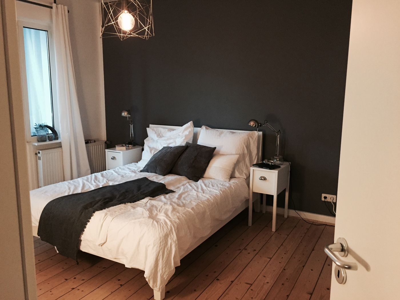 Wandfarbe im schlafzimmer schlafsofas darmstadt - Farbvorschlage wohnzimmer ...
