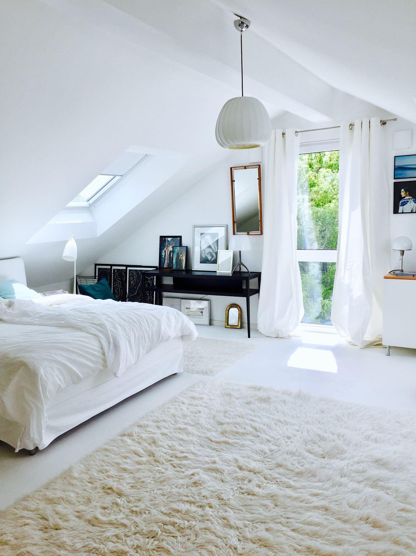 kleinen dachboden ausbauen doppelt gewendete treppe nach oben dachboden liebe auf den ersten. Black Bedroom Furniture Sets. Home Design Ideas