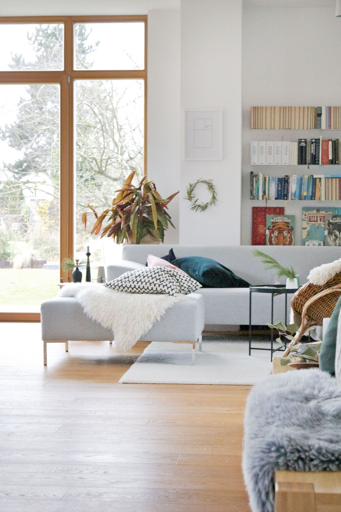 Graue Sofas