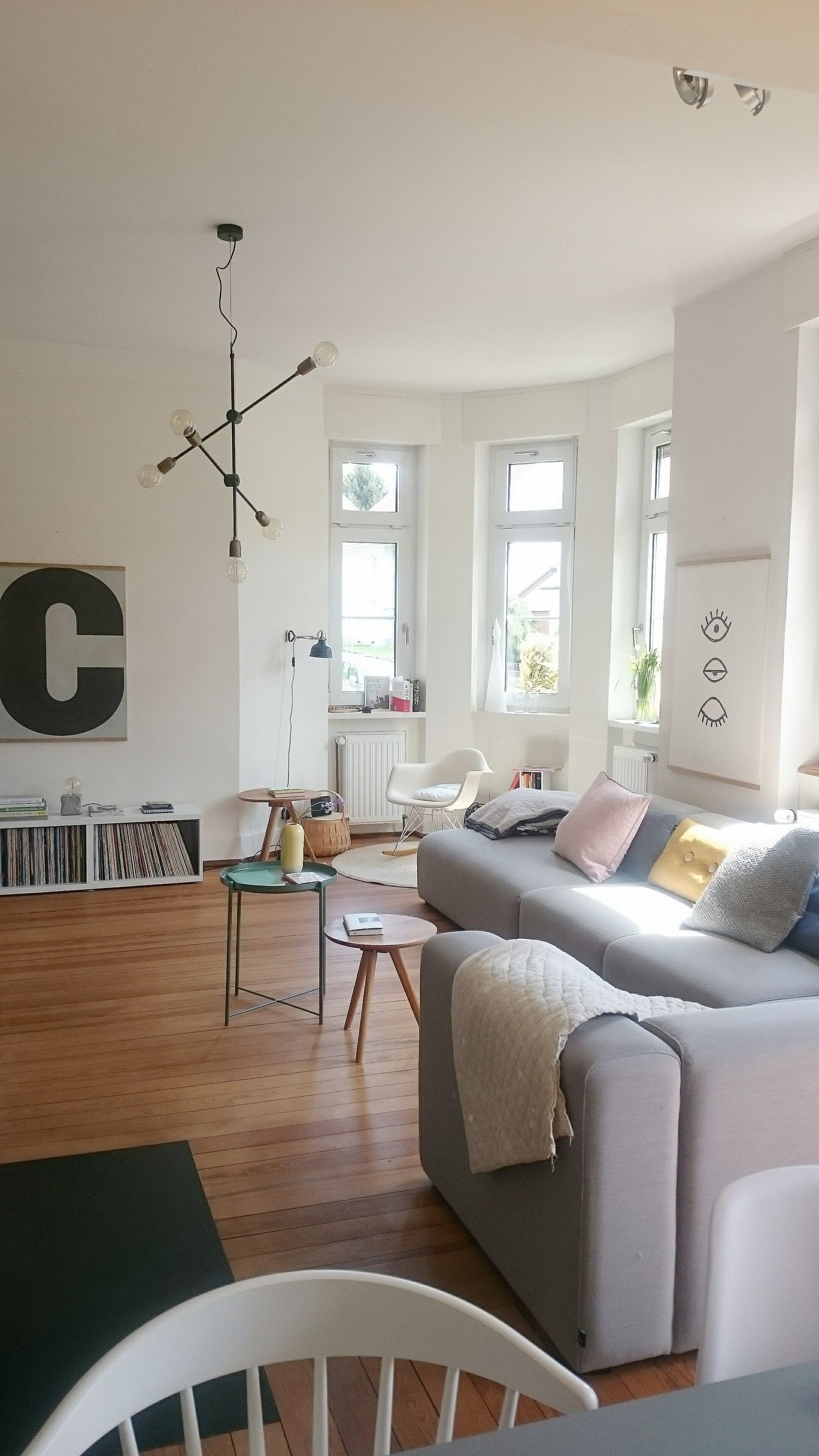 Skandinavische Wohnzimmer. Einblick Im Mai