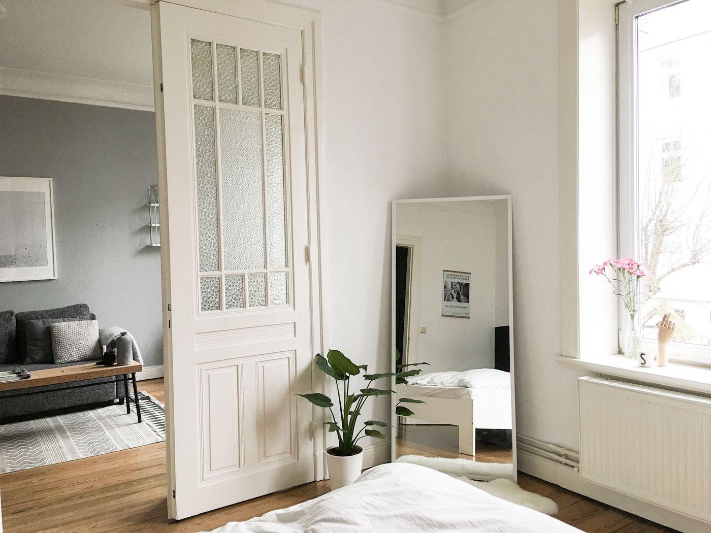 wandfarbe grau im schlafzimmer lattenroste die nicht quietschen biber bettw sche foto. Black Bedroom Furniture Sets. Home Design Ideas