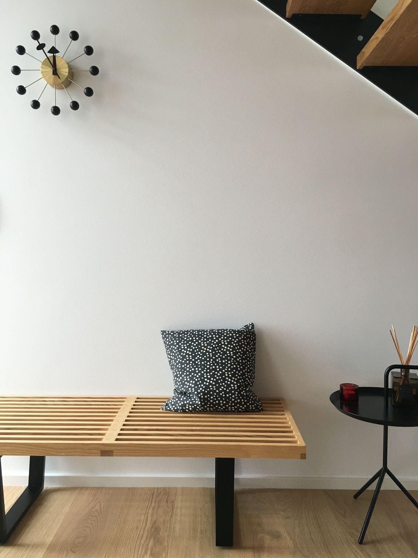 die ball clock von george nelson. Black Bedroom Furniture Sets. Home Design Ideas