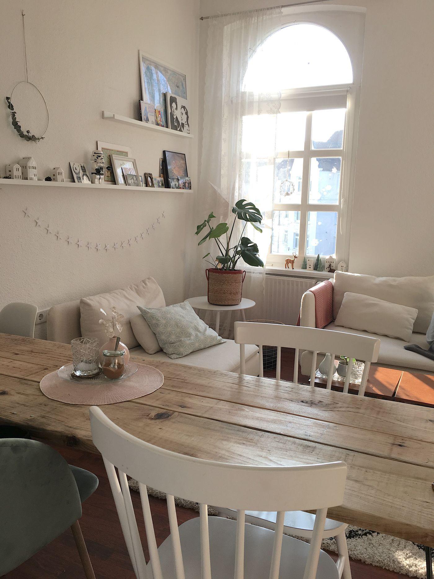 wandgestaltung mit der ikea ribba mosslanda bilderleiste. Black Bedroom Furniture Sets. Home Design Ideas