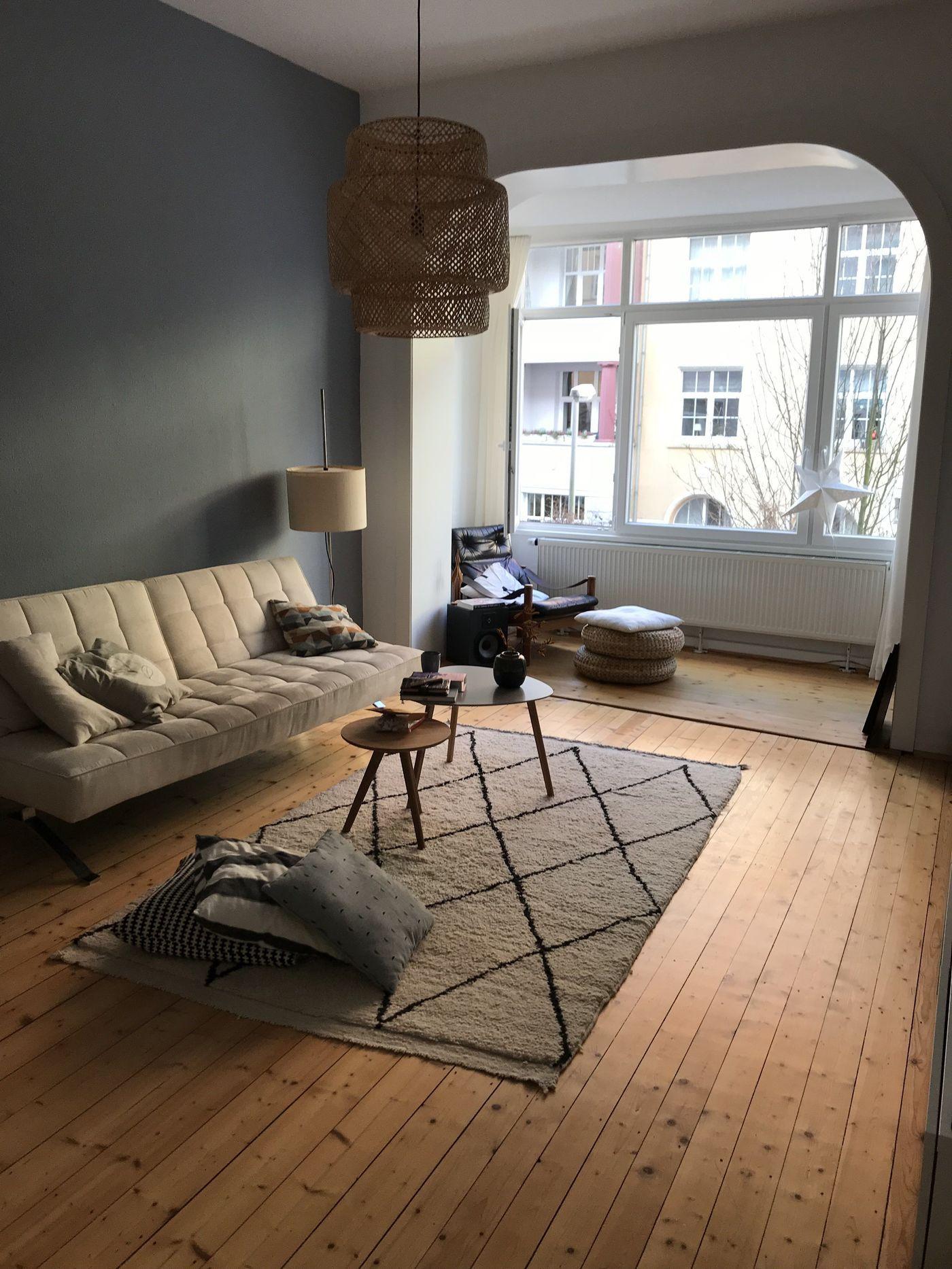 sch ne beni ourain berberteppiche in echten wohnungen. Black Bedroom Furniture Sets. Home Design Ideas