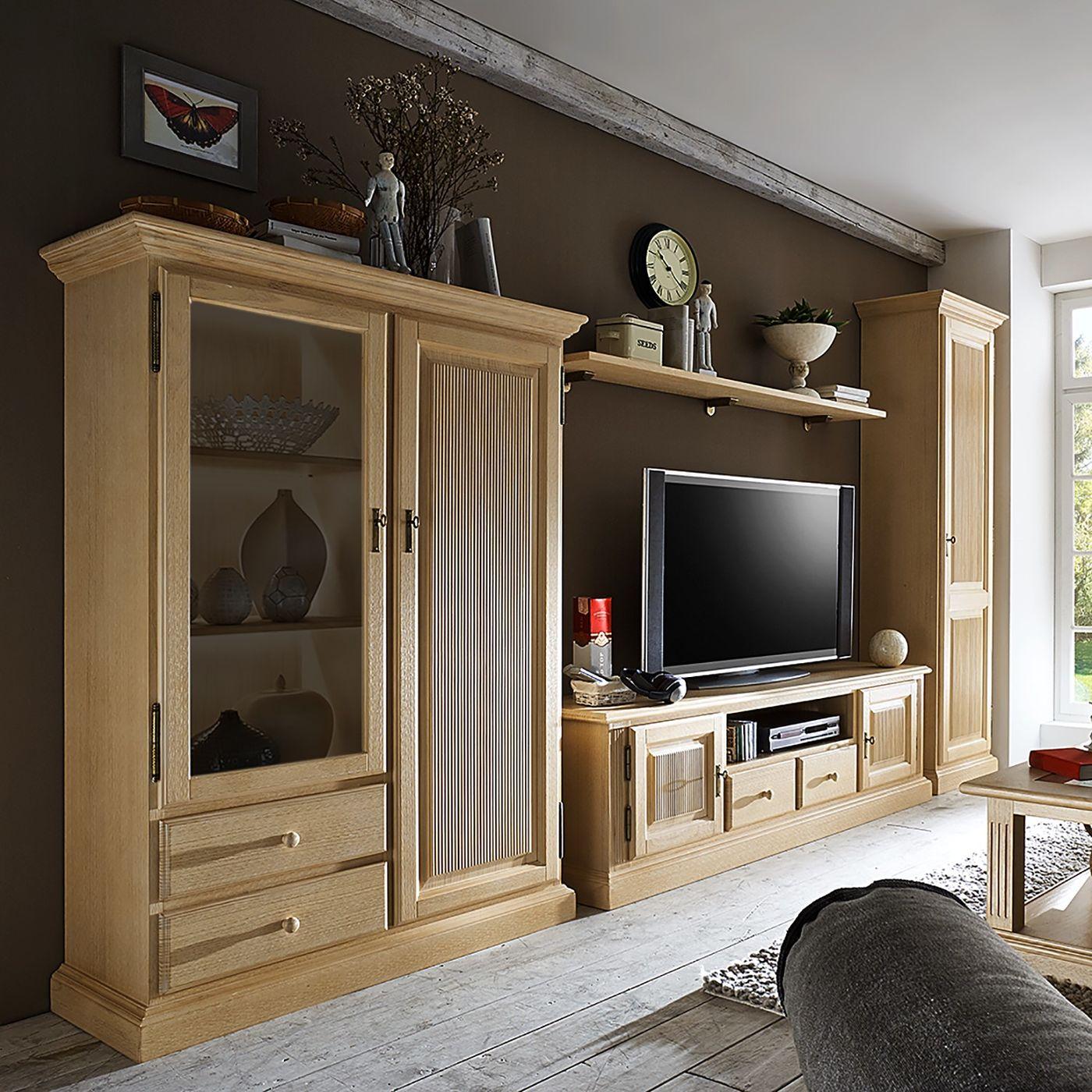 Stauraumwunder im wohnzimmer die wohnwand for Arredamento classico casa