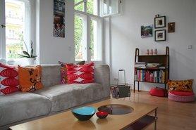 Finde deinen wohnstil und einrichtungsstil tipps und ideen for Sofa vor fenster