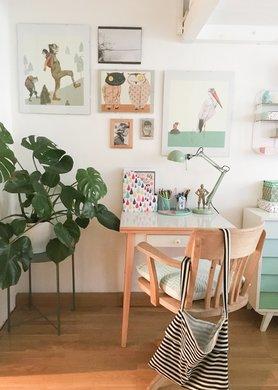 bilder aufh ngen die besten tipps tricks und inspirationen. Black Bedroom Furniture Sets. Home Design Ideas