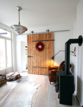 altholz trend einrichtungsideen mit charakterstarken holzm beln. Black Bedroom Furniture Sets. Home Design Ideas