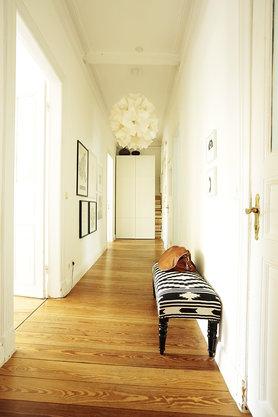 die sch nsten ideen f r die wandgestaltung im flur. Black Bedroom Furniture Sets. Home Design Ideas