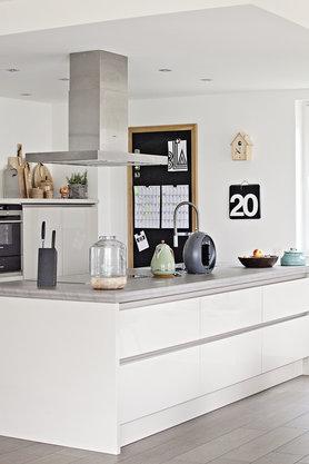 die sch nsten ideen f r designerk chen. Black Bedroom Furniture Sets. Home Design Ideas