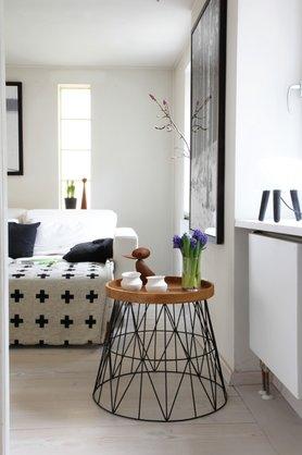 wohnideen mit dem ferm living wire basket. Black Bedroom Furniture Sets. Home Design Ideas