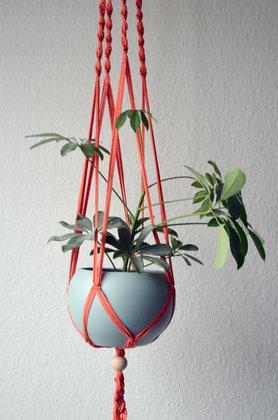 vertikal dekorieren mit blumenampeln. Black Bedroom Furniture Sets. Home Design Ideas