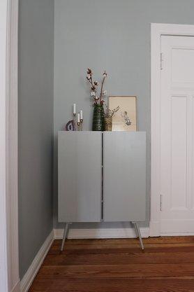 grau als wandfarbe dezent und edel. Black Bedroom Furniture Sets. Home Design Ideas