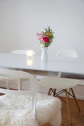 stuhlmix ideen und bilder f r deinen essplatz. Black Bedroom Furniture Sets. Home Design Ideas