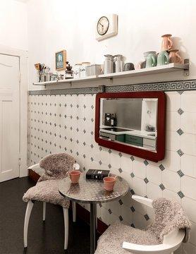 sch ne wohnideen mit k chentischen. Black Bedroom Furniture Sets. Home Design Ideas