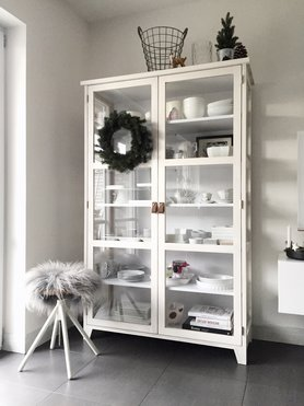sch ne ideen f r deinen geschirrschrank. Black Bedroom Furniture Sets. Home Design Ideas
