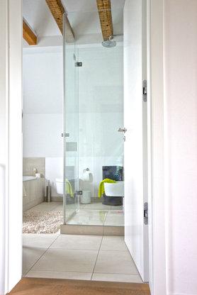 ideen f r deine dusche 100 bilder aus echten wohnungen. Black Bedroom Furniture Sets. Home Design Ideas