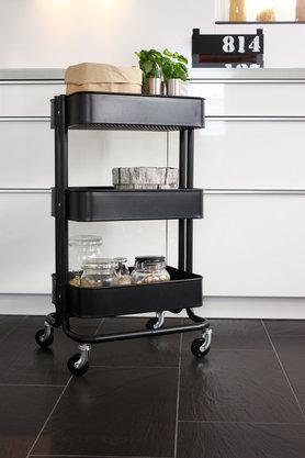 m bel aus obstkisten als upcycling idee. Black Bedroom Furniture Sets. Home Design Ideas