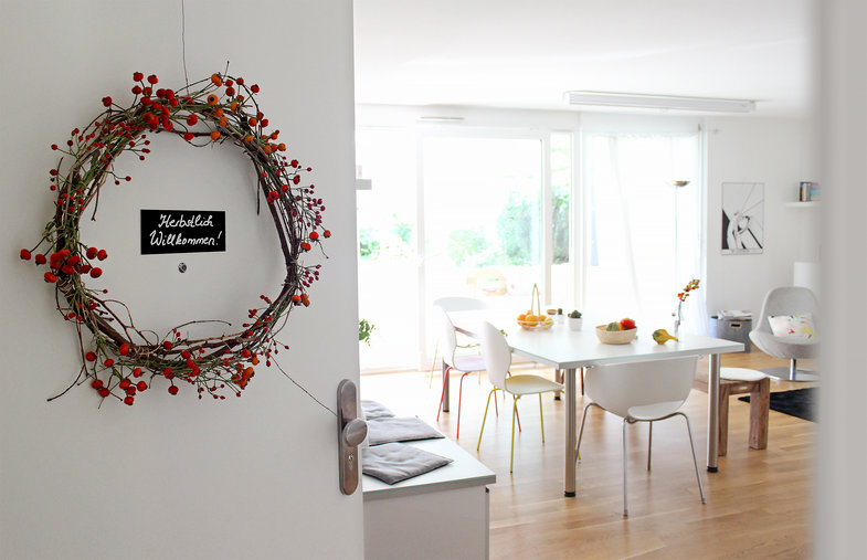diy anleitung blumenkranz binden mit christin. Black Bedroom Furniture Sets. Home Design Ideas