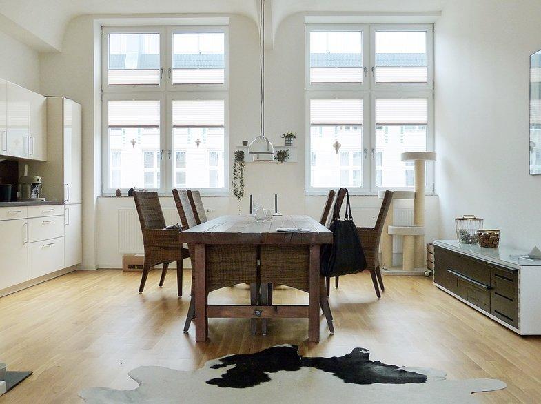 wir wohnen in einer ehemaligen textilfabrik zu besuch. Black Bedroom Furniture Sets. Home Design Ideas