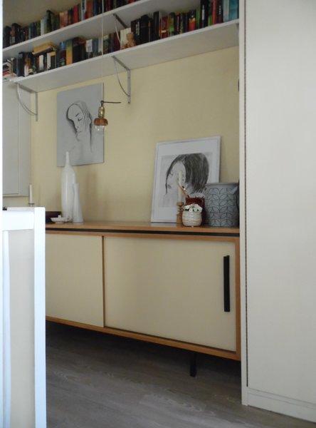 b cherregal unter der decke m bel design idee f r sie. Black Bedroom Furniture Sets. Home Design Ideas